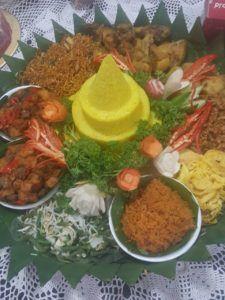 Catering tumpeng 085692092435: 08118888516 Pesan Nasi Tumpeng Di Matraman Jakarta...
