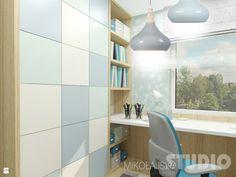pokój nastolatka, młodzieżowy, dziecięcy, błękitny, pastelowy, tapeta - zdjęcie od MIKOŁAJSKAstudio - Pokój dziecka - Styl Skandynawski - MIKOŁAJSKAstudio