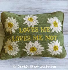 Check out the fabulous thrift store finds of the week including a Rae Dunn cookie jar Rae Dunn Cookie Jar, Shabby Chic Pillows, Daisy Love, Yellow Daisies, Needlepoint Pillows, Thrifting, Reusable Tote Bags, Symbols, Throw Pillows