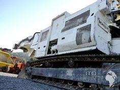 Gebrauchter Tunnelbagger günstig zu verkaufen Schaeff ITC 1120 in #weiß #Baumaschinen für den Bergbau. #Tunnelbagger #schaeff ITC120 und ITC112 alles gebraucht günstig ab lager zu #kaufen. #Mining #hydropower #mineria #chile #peru #kosovo #schweiz Peru, Chile, Germany, Train, Building, Heavy Equipment, Baggers, Switzerland, Turkey