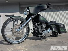 Mike's Stealth Glide | 2010 Harley-Davidson FLHX | Baggers