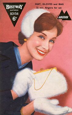 Fabulous vintage knitting patern for gloves, hat and bag in angora.