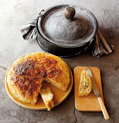 Corn and beer bread Ingredients: 500 g self-raising flour (2.11C) 1 x 400 g (14oz) sweetcorn in water can, drained 1 t sea salt 1 x 375 ml (12oz) beerl bottle