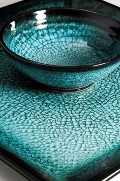Stephen Roberts 2 - this is one of the most beautiful crackled glazes I've seen / turquoise / aqua and teal Ceramic Clay, Ceramic Pottery, Pottery Art, Glazed Pottery, Glazed Ceramic, Pottery Ideas, Pierre Turquoise, Turquoise Color, Sculptures Céramiques