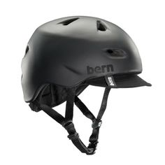 The Brentwood is Bern's most popular bike helmet for men, featuring a removable visor, sunglass channels for fitting your shades and airflow channels to keep you cool.
