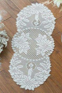Scheme to realize the crochet filet runner Filet Crochet, Crochet Chart, Thread Crochet, Irish Crochet, Crochet Motif, Crochet Doilies, Crochet Stitches, Crochet Tree, Crochet Butterfly