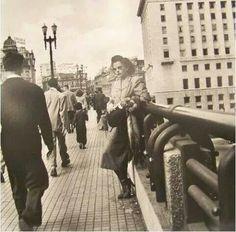 1950 - Viaduto do Chá. Foto de Jean Manzon. Acervo Pinacoteca do Estado.