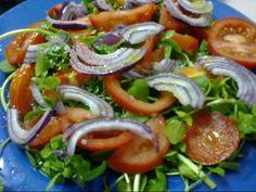 Receita Entrada : Salada de agrião com tomate e cebola roxa de Aprendizdechefe