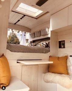 Bus Living, Tiny House Living, Small Living, Van Camping, Camping Style, School Bus Tiny House, Van Conversion Interior, Kombi Home, Caravan Renovation
