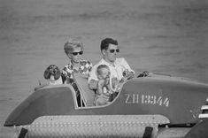Touristen in Zürich, 1966. Reportage mit 149 Bildern  Fotograf: Baumann, Heinz  #Freizeit #Sport #Freizeitboote