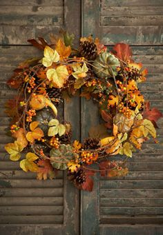 To me, this is even more beautiful than a normal Christmas wreath.