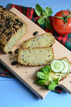Quinoa and Millet Bread. No added flour. It's probably the healthiest bread you can easily make at home! (In Polish) Gluten Free Quick Bread, Quick Bread Recipes, Gluten Free Recipes, Baking Recipes, Millet Bread, Bread Baking, Quinoa, Avocado Toast, Banana Bread