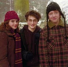 Hogwarts school of witchcraft and wizardry. harry potter, hermione granger, and emma watson Harry James Potter, Harry Potter World, Magie Harry Potter, Theme Harry Potter, Harry Potter Pictures, Harry Potter Universal, Harry Potter Characters, Harry Potter 3rd Movie, Harry Potter Friendship