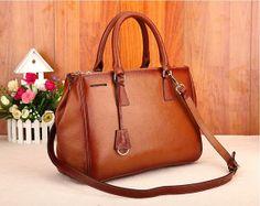 Damen braun Leder Tasche Handtaschen / Vintage von JoyandSurprise, $118.00