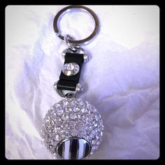 NWOT Henri Bendel Crystal Keychain Brand new in the draw string bag! Beautiful crystal keychain! henri bendel Accessories