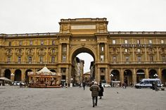Piazza della Repubblica, via Flickr.