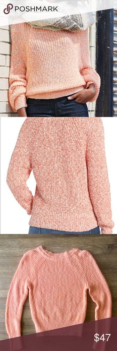 """NWOT Free People Electric City Pullover Sweater Textured and loosely knit bright orange sweater from Free People. Fits true to size with a relaxed fit. Crewneck. 21"""" in length. Long raglan sleeves. 55% Cotton, 36% linen, 9% nylon. Hand wash cold and lay flat to dry. Never worn and in perfect condition!! Free People Sweaters Crew & Scoop Necks"""