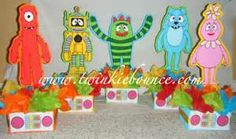 Centerpieces yo gabba gabba looks simple and cute :)