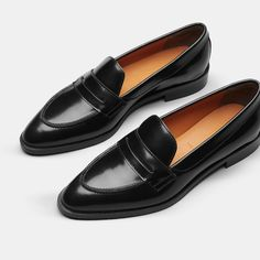 Everlane - The Modern Penny Loafer - Bootie boots - Mens Shoes Women's Shoes, Loafer Shoes, Loafers Men, Me Too Shoes, Shoe Boots, Flats, Golf Shoes, Oxfords, Bootie Boots