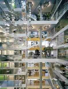 104-Atrium-chandeliers-lightwall-reflecting-panels-4102_2-PC-Photo-Anton-Grassl-resized-300x388.jpg (300×388)
