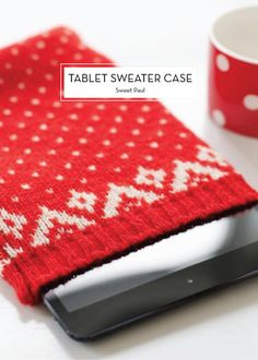 15 DIY HOLIDAY GIFTS – Tablet Sweater Case