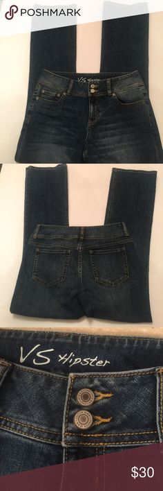"VS Hipster Victoria's Secret London 👖 Size 10 in excellent condition. Made of 98% cotton and 2% spandex. The waist measures approximately 16"" flat and the rise measures approximately 10""flat. The inseam measures approximately 32"" Victoria's Secret Jeans Boot Cut"