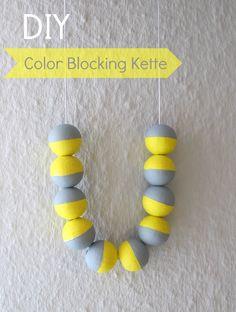 Color Blocking Necklace