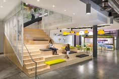 A Tour of JustFab's Cool New Headquarters - Officelovin