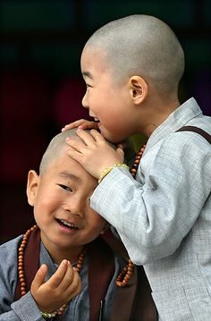 Boys beginning a program to experience the life of Buddhist monks enjoy their newly shaven heads. Precious Children, Beautiful Children, Beautiful Babies, Beautiful Smile, Beautiful People, Little Buddha, Pictures Of The Week, Smiles And Laughs, Baby Kind