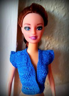 Top estivo per Barbie, manica corta colore azzurro intenso in cotone fatto a mano all'uncinetto di DrittoRovescio su Etsy