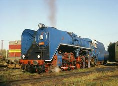 Holland, Old Trains, Train Car, Train Layouts, Steam Locomotive, Paddle, Planes, Parking Lot, Dioramas