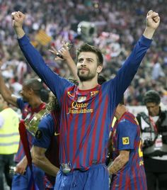 Soccer Players, Football Team, Gerad Pique, Messi And Ronaldo, Beard Styles For Men, Camp Nou, Lionel Messi, Fc Barcelona, Mens Clothing Styles
