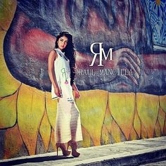 Tú eres dueña del estilo #womanRM #artesanal #murales #woman #mexicodiseña #arteurbano #fashion modelo @getssecasillas