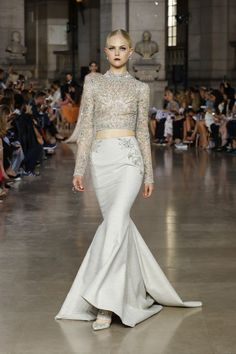 Prepare to enjoy the decadene that is Georges Hobeika couture! Inspired by the ornate designs of Spanish palaces, these gowns are positively. Couture Mode, Style Couture, Couture Fashion, Runway Fashion, Georges Hobeika, Ellie Saab, Zuhair Murad, Marchesa, Pretty Dresses