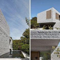 평범한 재료로 부터 시작, 하나의 거대한 덩어리로 보여진다. 더 거칠게, 물성을 확연하게 드러내다. b.e architecture have recently completed a new three-storey house in Melbourne, Australia, that features 260 tons of granite which make up the building's skin. The granite on the exterior of the house has a split-faced finish that allows the home to have a textured when viewed from the outside. Worki..