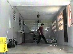 Filmada en Puerto Rico, alrededor del año 1994. Diversión con la función de copia de audio en la grabadora VHS. Le dije a ustedes no tenía amigos por ahí!