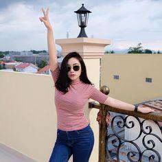 Love you guys✌🏼♥️😘 Girl Photo Poses, Girl Photos, Indonesian Women, Girl Hijab, Woman Crush, Photo And Video, Female, Celebrities, Lady
