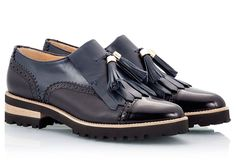 Fratelli Karida Oxford perforated women brogues with fringe and tassels in blue vitello and black martellato leather upper featuring polished leather cap toe.