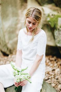 noni noni Brautkleider 2018 | Hosenanzug für die Hochzeit mit Culotte in Ivory Spitzentop (Foto: Le Hai Linh)