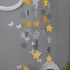 mobile suspension toiles gris clair jaune et gris fonc dcoration chambre bb enfant fille garon - Decoration Chambre Bebe Jaune