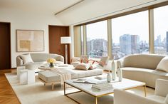 We asked Andrew Bowen, director of staging for ASH Staging, what makes a home feel luxe and inviting. Ahead, we lay out his top five real estate staging tips for creating your dream space. Room Paint Colors, Paint Colors For Living Room, Living Room Interior, Living Room Decor, Living Rooms, Real Estate Staging, White Sofas, Best Sofa, Common Area