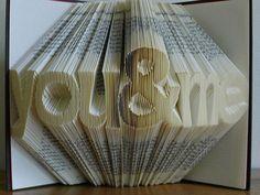 Escultura en hoja de libro