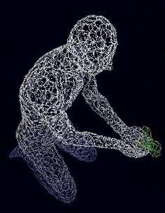 Giuseppe Inglese, Respiro - il dono, scultura luminescente in acciaio inox intrecciato a mano, 121x47X102, 2016
