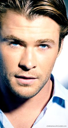 Chris Hemsworth~ Not real big on blondes, but this guy? *melt*