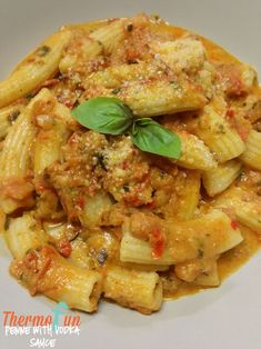 Print Mad Monday – Penne with Vodka Sauce Recipe By thermofun November 2, 2015 Believe it or not I'm not actually a vodka drinker but for some reason this recipe really intrigued me and I just had to give it a go! I even had to 'borrow' my son's vodka that he'd received from someone …