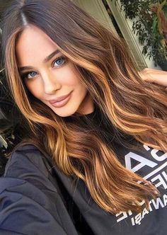 Awesome Caramel Hair Color Trends for Women to Try in 2020 Hair Color Caramel, Caramel Honey Highlights, Honey Hair, Cool Hair Color, Hair Colors, Hair Color Balayage, Gorgeous Hair, Amazing Hair, Great Hair