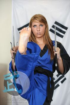 Commercial Martial Arts and Stock Photography Female Martial Artists, Martial Arts Women, Mixed Martial Arts, Shaolin Kung Fu, Shotokan Karate, Women's Feet, Feet Soles, Karate Girl, Hapkido