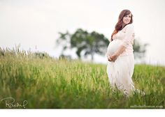 sweet maternity shot by Rachel of Millie Holloman Photographers