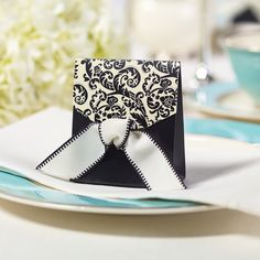 Black and Ivory Flourish Wedding Favor Boxes | #exclusivelyweddings | #blackandwhitewedding