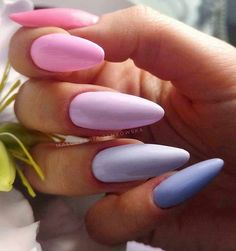 Hot Almond Nails Art Ideas For Summer - Nail Art Connect Not everyone likes dramatic nails. If you like your nails to be slender and beautiful, the best choice is almond Acrylic Nails Natural, Summer Acrylic Nails, Cute Acrylic Nails, Pastel Nails, Spring Nails, Summer Nails, Aycrlic Nails, Hair And Nails, Almond Nail Art